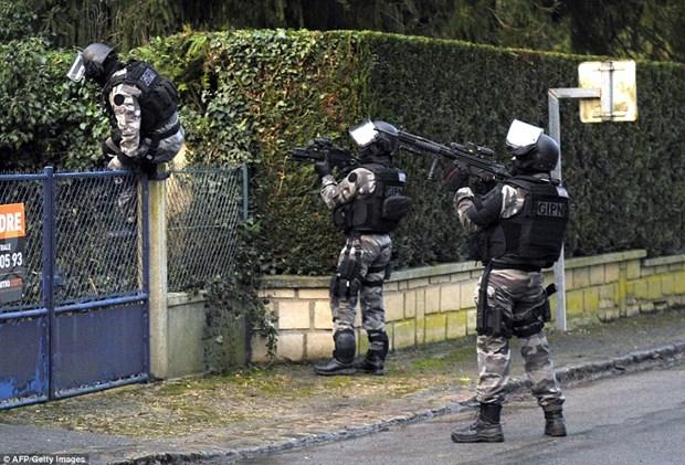 Cong bo hinh anh dau tien ben trong Charlie Hebdo sau vu tham sat hinh anh 5