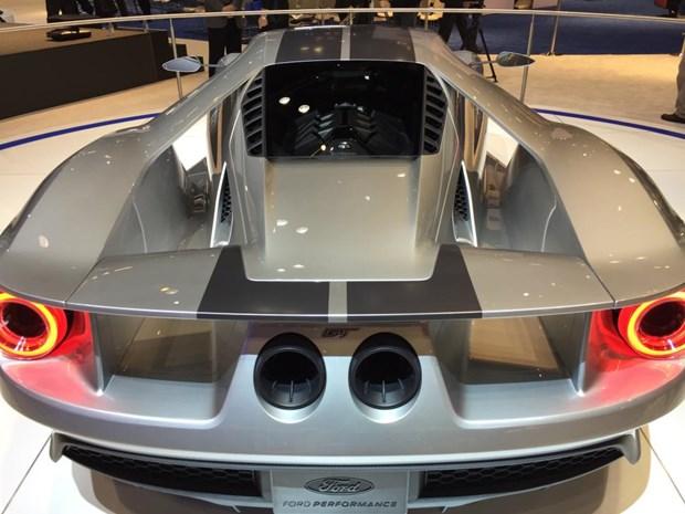Ford san xuat sieu xe GT moi su dung soi carbon o Ontario hinh anh 1