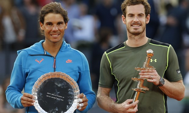Andy Murray ha be Rafael Nadal sau tran chung ket trong mo hinh anh 1