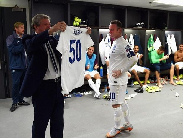 Rooney noi gi sau khi tro thanh chan sut vi dai nhat