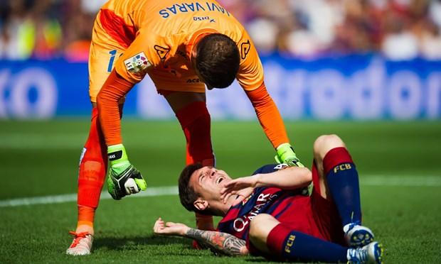 Barca ton that nang ne: Messi co nguy co lo tran