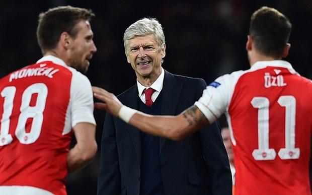 Arsene Wenger ngat ngay sau khi Arsenal danh bai Bayern Munich hinh anh 1