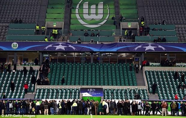 Nghi co khung bo, Sir Alex phai o lai san sau tran Wolfsburg-M.U hinh anh 5