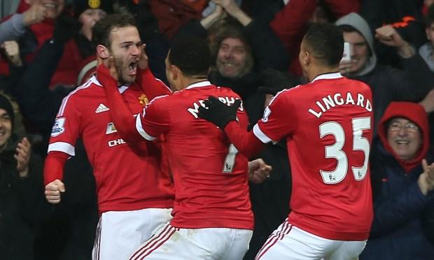 Premier League: Liverpool vui dap Man City, M.U ap sat top 4 hinh anh 1
