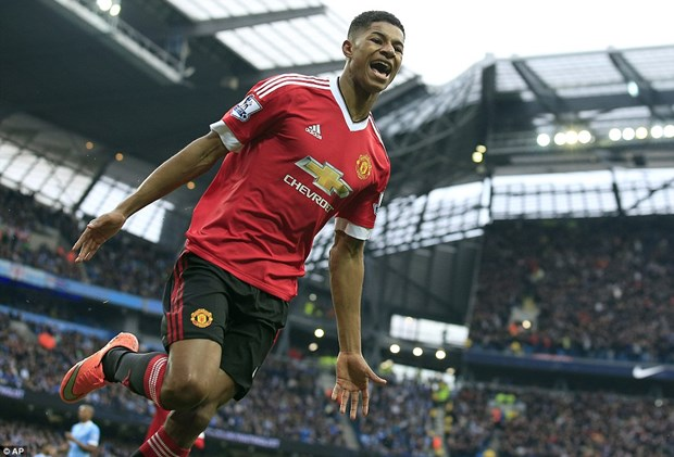 Rashford lap cong, Manchester United ha guc Man City tai Etihad hinh anh 1
