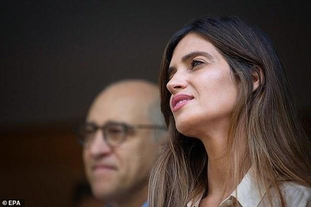Vua duoc xuat vien, thu thanh Iker Casillas lai nhan tin du tu vo hinh anh 2