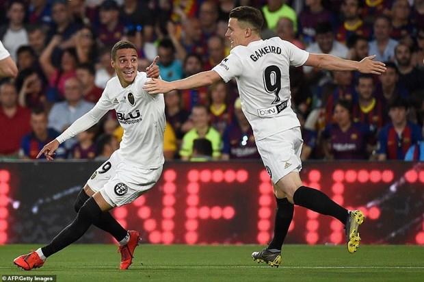 Messi ghi ban, Barcelona van phai ngam ngui nhin Valencia nang cup hinh anh 2