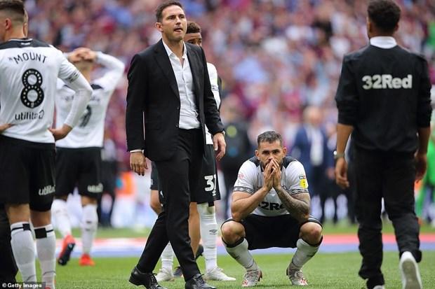 Aston Villa tro lai Premier League sau tran cau dat gia nhat hanh tinh hinh anh 2
