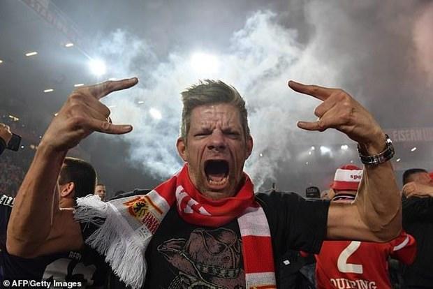 Vuot qua Stuttgart, Union Berlin lan dau tien gop mat o Bundesliga hinh anh 1