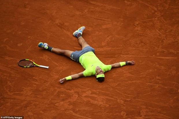 Ha Thiem, Rafael Nadal lan thu 12 len ngoi tai Roland Garros hinh anh 1
