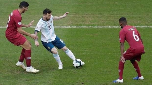 Lionel Messi cong khai che bai chat luong san tai Copa America hinh anh 1