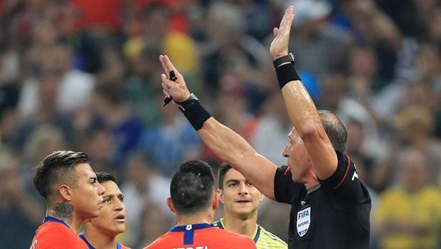 Ha Colombia tren cham luan luu, Chile vao ban ket Copa America hinh anh 1