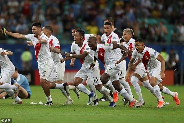 Suarez sut hong luan luu, Uruguay cay dang chia tay Copa Ameria hinh anh 2