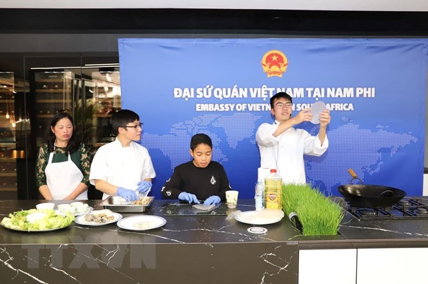 Viet Nam dong gop tich cuc vao thanh cong cua ASEAN Festival Day hinh anh 1