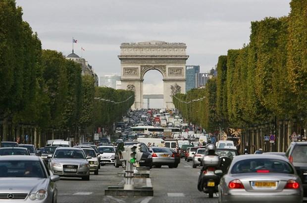 Phap cam toan bo oto chay dau diesel tai trung tam thu do Paris hinh anh 1