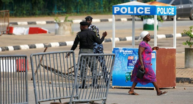 Quoc hoi Nigeria bi phong toa sau khi xay ra mot vu no sung hinh anh 1