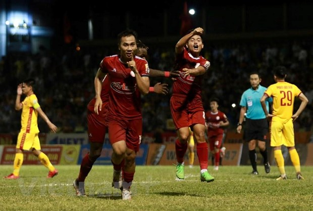 Vong 17 V-League: Viettel gianh 3 diem, Ha Noi ap sat TP.HCM hinh anh 2