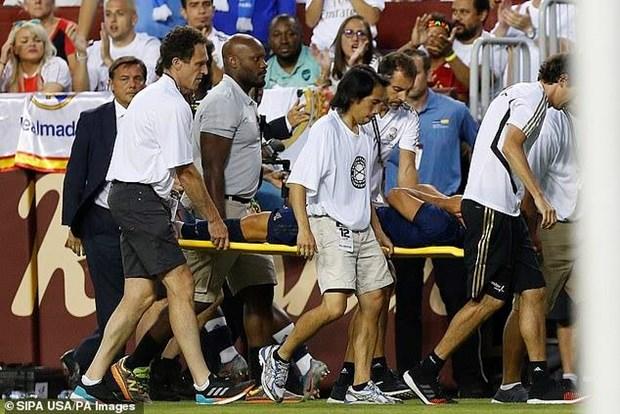 Marco Asensio dau don roi san va duoc dua thang den benh vien hinh anh 1