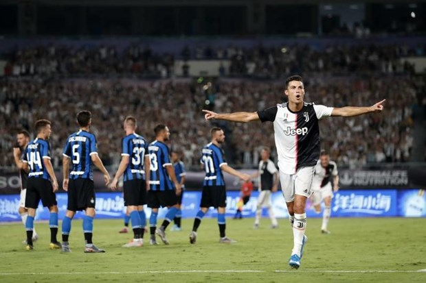 Ronaldo toa sang, Juventus thang tran dau tai giai ICC 2019 hinh anh 1