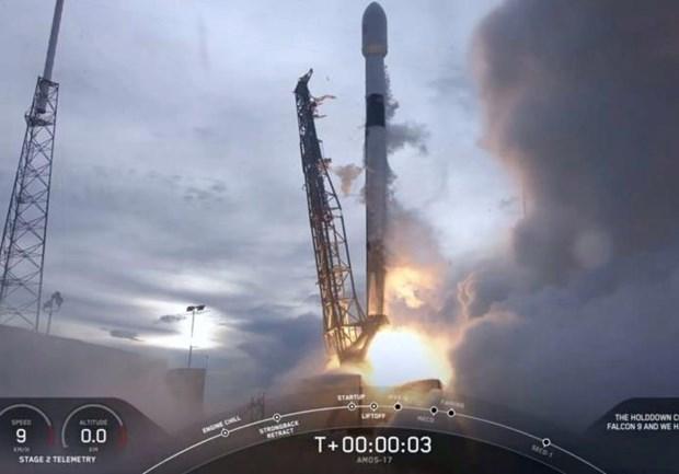 Cong ty SpaceX phong ve tinh lien lac AMOS-17 cua Israel hinh anh 1