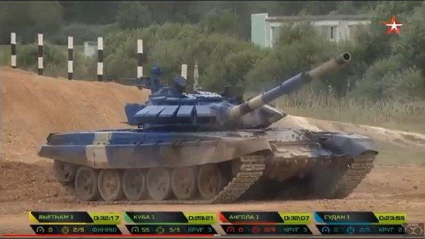 [Video] Xem doi tuyen xe tang Viet Nam thi dau chung ket Tank Biathlon hinh anh 1