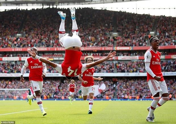 Danh bai Burnley, Arsenal tam chiem ngoi dau Premier League hinh anh 3