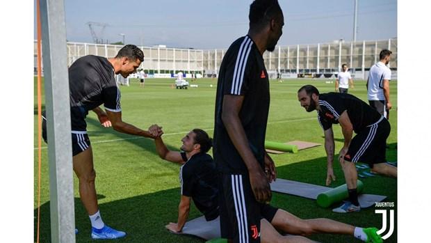 'Ba dam gia' Juventus san sang cho hanh trinh bao ve ngoi vuong hinh anh 1