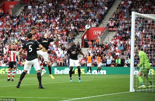Hoa Southampton, Manchester United khong thang 3 tran lien tiep hinh anh 2