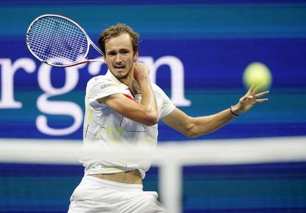 Ha Medvedev, Rafael Nadal lan thu tu dang quang tai US Open hinh anh 2