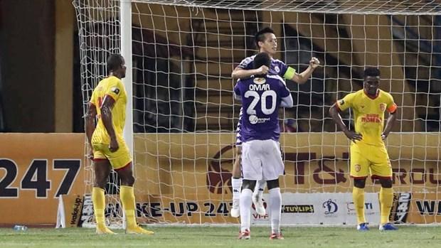 Ha Noi FC thang Nam Dinh 6-1 trong 'con mua phao sang' o Hang Day hinh anh 1