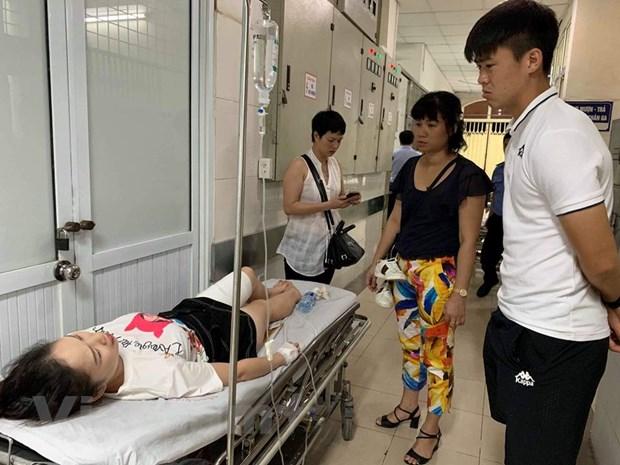 HLV Nam Dinh noi ve vu ban phao tren san Hang Day khien CDV bi thuong hinh anh 1