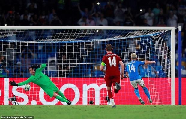 Liverpool 'nem trai dang' truoc Napoli o ngay ra quan Champions League hinh anh 1