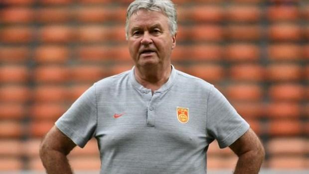 HLV Guus Hiddink bi sa thai sau tran thua doi tuyen U22 Viet Nam hinh anh 1