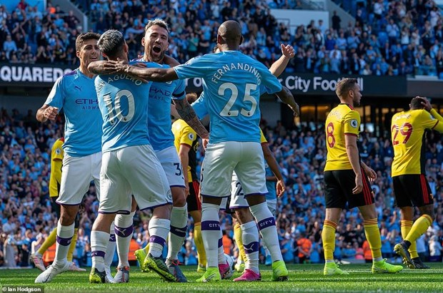 Manchester City di vao lich su sau chien thang huy diet 8-0 hinh anh 1