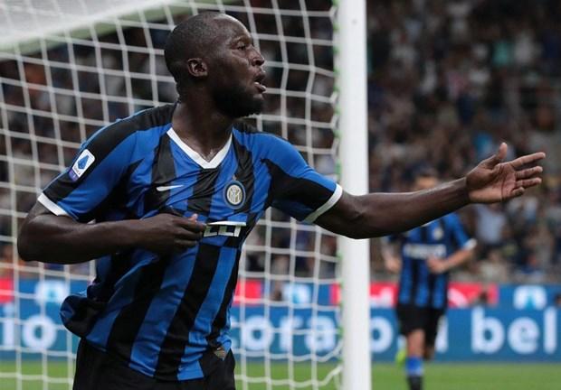 Romelu Lukaku lap cong, Inter danh bai AC Milan o tran derby hinh anh 1