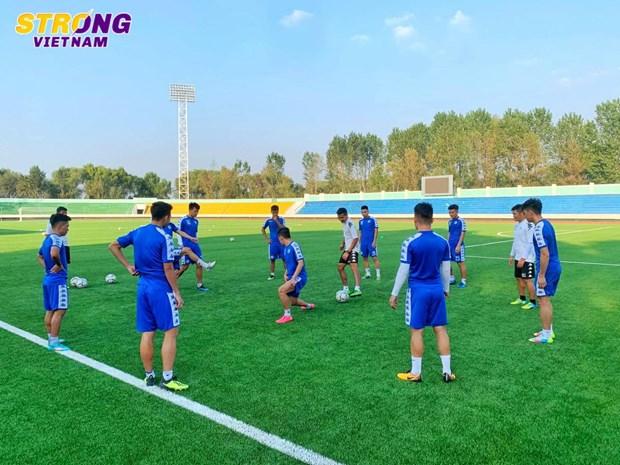 Ha Noi FC 'luyen cong,' san sang cho tran dau lich su voi April 25 hinh anh 2