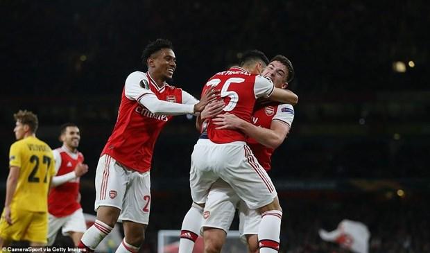 Ket qua: Arsenal thang tung bung, M.U 'bat luc' tren dat Ha Lan hinh anh 1