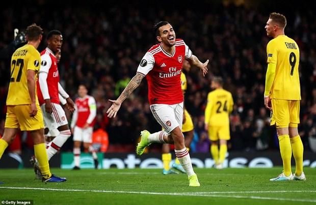 Ket qua: Arsenal thang tung bung, M.U 'bat luc' tren dat Ha Lan hinh anh 2