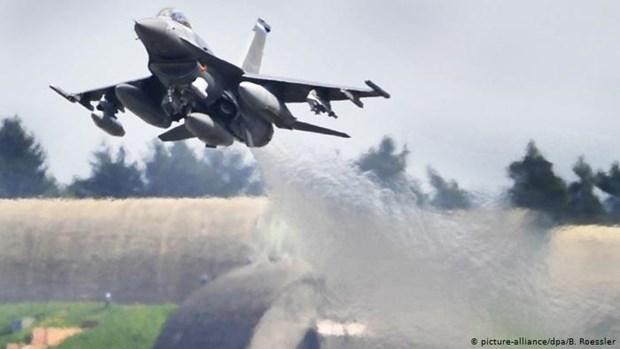 May bay chien dau F-16 cua Khong quan My bi roi tai Duc hinh anh 1