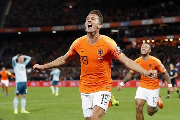 Vong loai Euro 2020: Bi gianh ve dau tien vao VCK, Ha Lan thang nguoc hinh anh 1