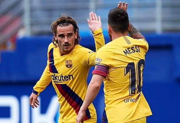 Thua soc doi tan binh, Real Madrid mat ngoi dau vao tay Barcelona hinh anh 1