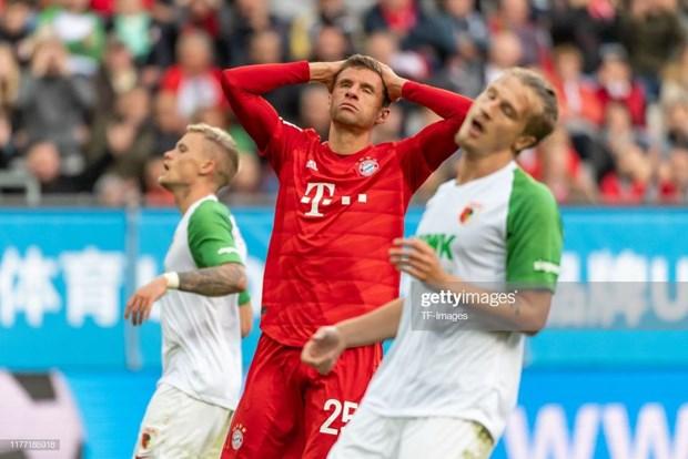 Ban lanh dao va fan Bayern con co the kien nhan duoc bao lau nua? hinh anh 2