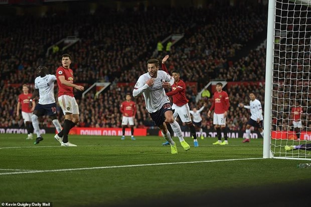 Manchester United khien Liverpool dut mach toan thang o Premier League hinh anh 2