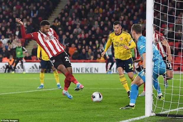 Ha Arsenal, tan binh Sheffield United day M.U xuong vi tri thu 14 hinh anh 1