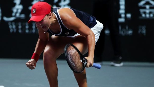 Ha be nha vo dich, Ashleigh Barty lan dau dang quang WTA Finals hinh anh 1