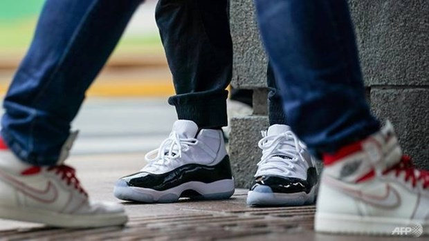 Ly giai ve 'con sot sneaker' dang can quet thi truong Trung Quoc hinh anh 2