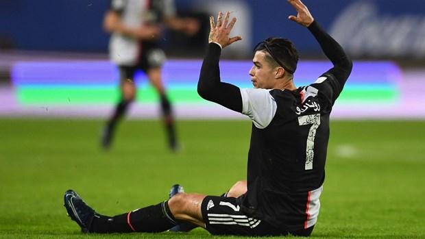 Ronaldo gay that vong, Juventus mat Sieu Cup vao tay Lazio hinh anh 2