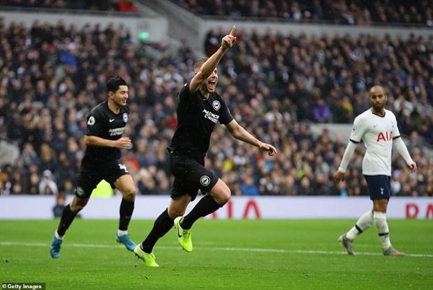 Tottenham nguoc dong danh bai Brighton trong ngay le Tang qua hinh anh 1