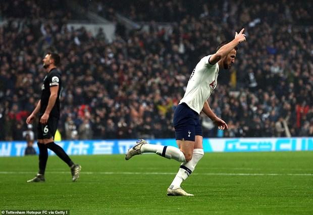Tottenham nguoc dong danh bai Brighton trong ngay le Tang qua hinh anh 2