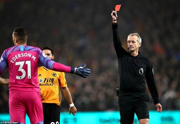 Dan truoc 2-0, Man City van phai 'nem trai dang' truoc Wolverhampton hinh anh 1